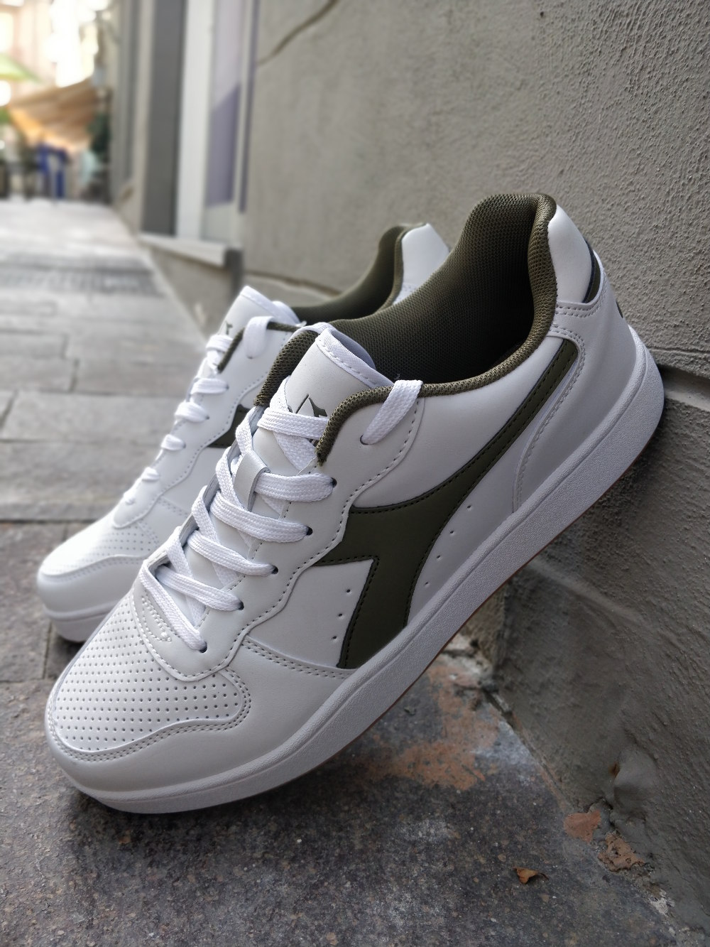 Sportswear Scarpe Diadora Lifestyle Sneakers Playground Ginnastica CXwXHq0 b9180f057db