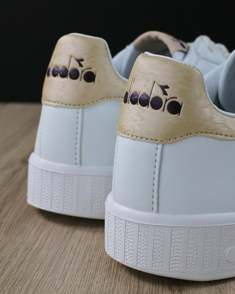 Diadora Scarpe Sportive Sneakers Lifestyle Sportswear Game P GS Bianco  Viola 8 8 di 8 Vedi Altro 1e29f30cc17
