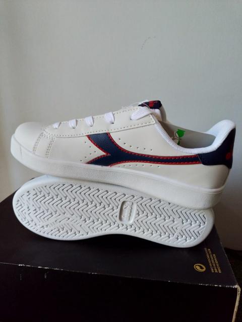 ... Scarpe Sportive Sneakers Diadora game p gs Lifestyle sportswear Donna  Bambino bianco Blu - Sport Shoes ... 847d684f1d6