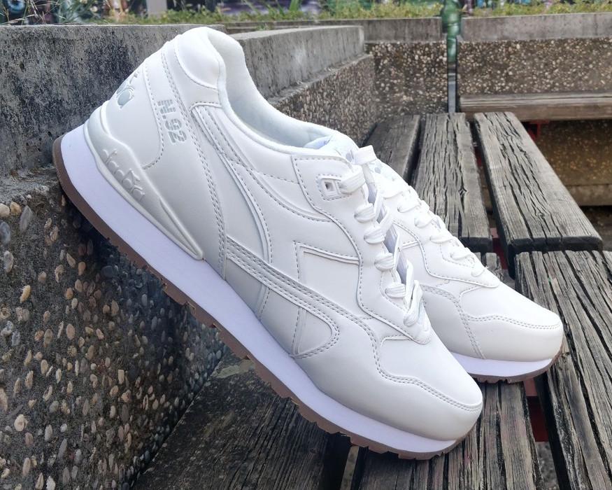 Diadora Scarpe Sneakers Sportive lifestyle N.92 Leather Bianco 2018 8 8 di  8 Vedi Altro 3cdfcaf8dc1