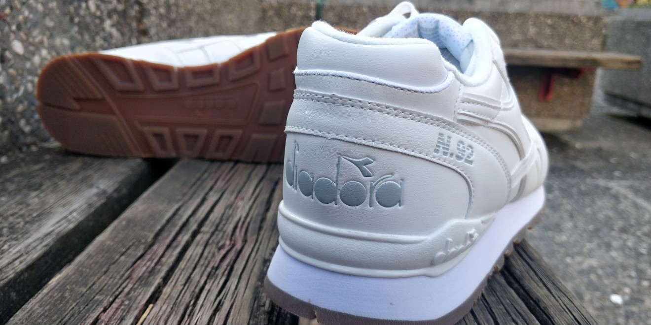 Diadora Scarpe Sneakers Sportive lifestyle N.92 Leather Bianco 2018 3 3 di  8 ... 34801063c66