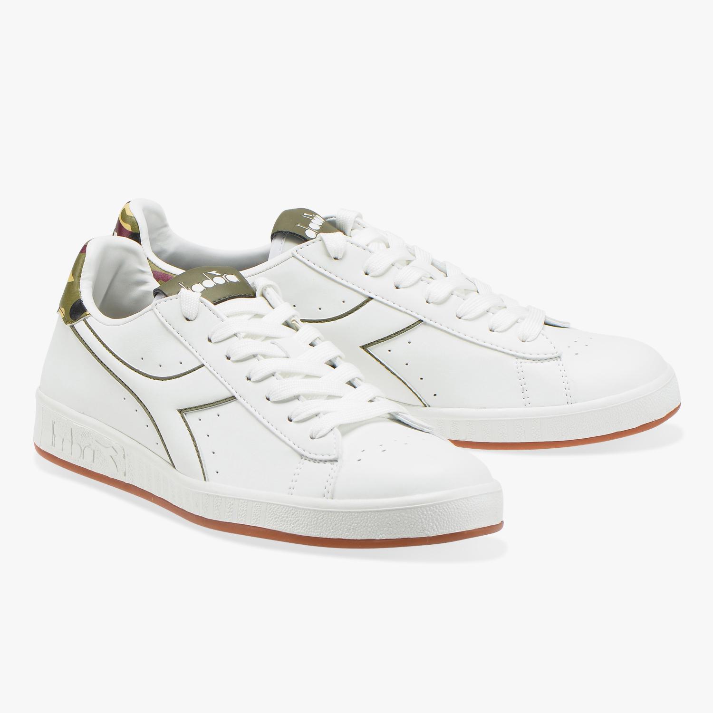 Diadora Scarpe Sneakers Sportive GAME P Graphic Bianco sportswear ... f5b8e4cf141