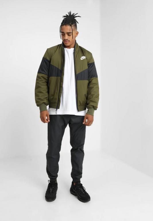 a5a336cd2fe1 ... Piumino Giubbino Nike Sportswear Synthetic Fill PADDED uomo Verde Nero  - Down Jackets Nike Sportswear Synthetic ...