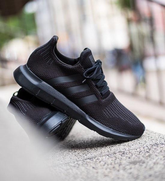Adidas Originals Trefoil Scarpe Sneakers Nero Trainers Sportive SWIFT RUN Nero Sneakers Uomo b7443a