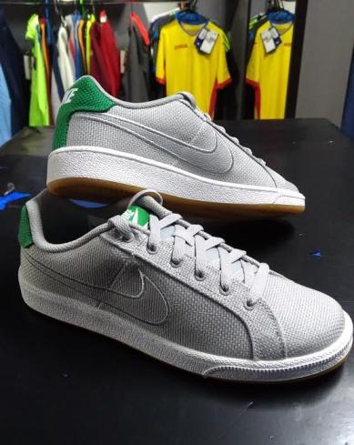 SCARPE NIKE Sneakers Trainers Sportive COURT ROYAL PREMIUM NERO BLACK 805556 003