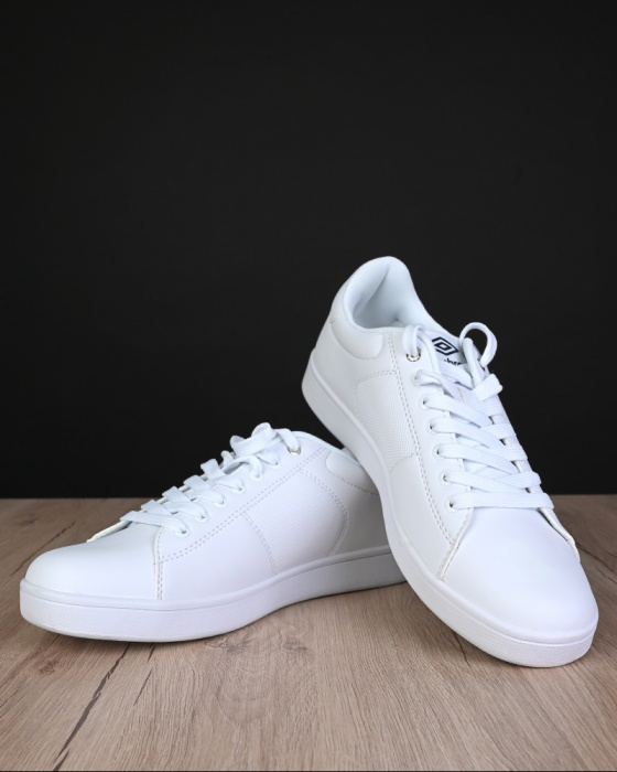 vasta selezione di 89c71 2a58a Umbro Sport Shoes Sneakers Lifestyle White Manchester UK 2019 Footwear |  eBay