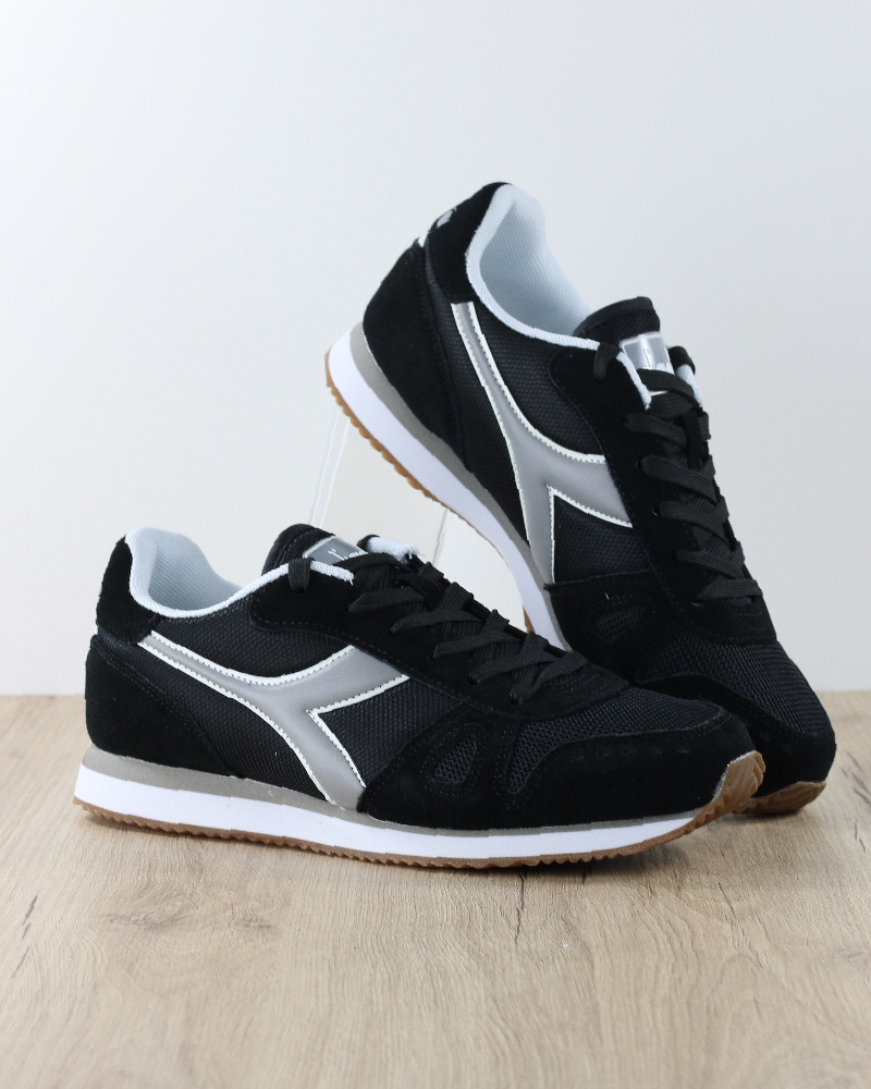 Diadora shoes Sportive Sneakers Lifestyle Sportswear Simple Run black