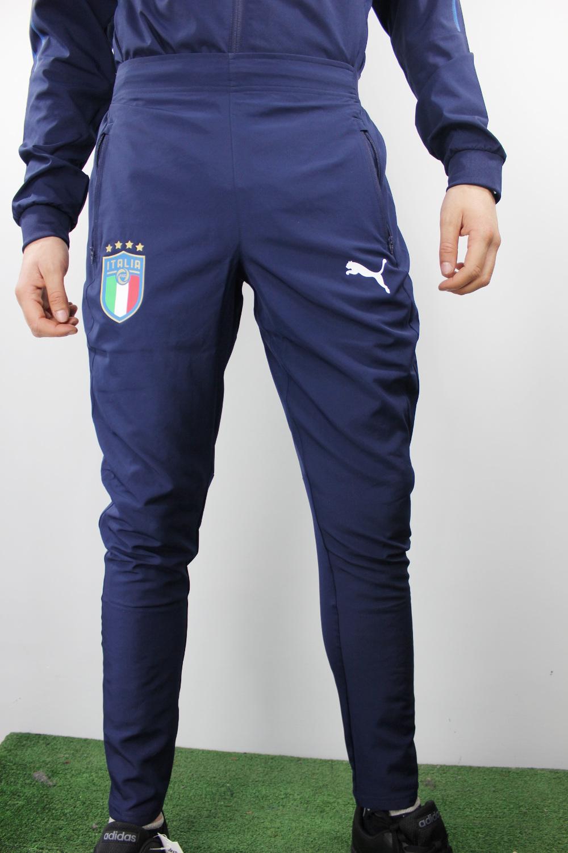premium selection c5c80 302c8 Dettagli su Italia italy FIGC Puma Pantaloni tuta Pants Blu Woven Peacoat  2018