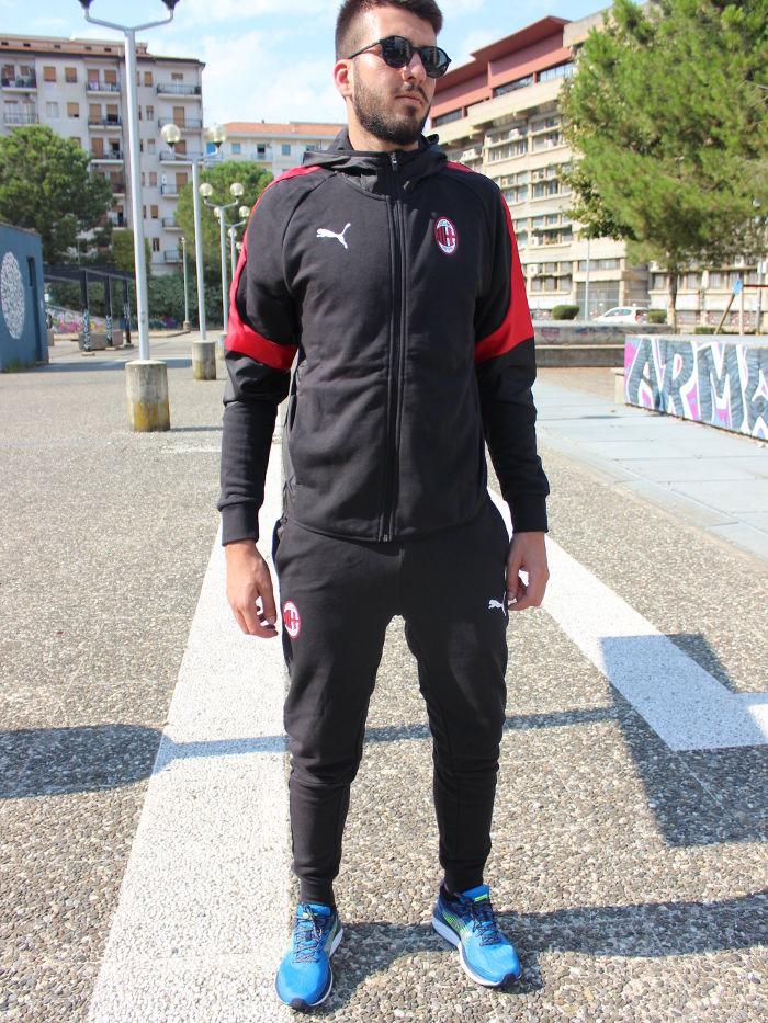 faf8f1194930e Ac Milan Puma Tuta Tempo Libero Cappuccio Nero Cotone 2018 19 con tasche 7  7 di 8 ...