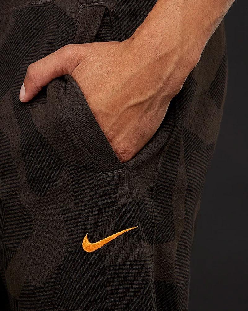 As Roma Nike Pantaloni tuta Pants 2018 UOMO con tasche marrone sweat pant 7  7 di 8 Vedi Altro 1eb666b0cd23