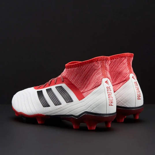 ... Botas de futbol con el calcetín depredador   abarcan clase   notranslate      18.2  ... 9e86fd0817cec
