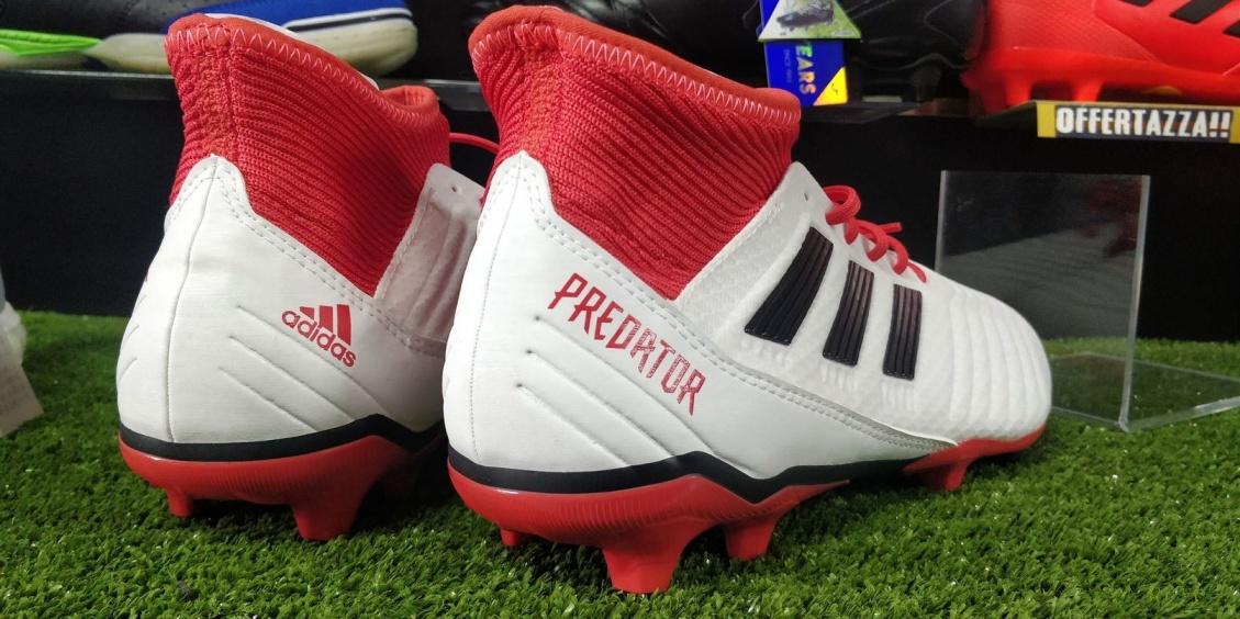 wholesale dealer dafd0 697f5 ... Scarpe da Calcio PREDATOR 18.3 FG Adidas con calzino bianco uomo -  Football boots Shoes PREDATOR