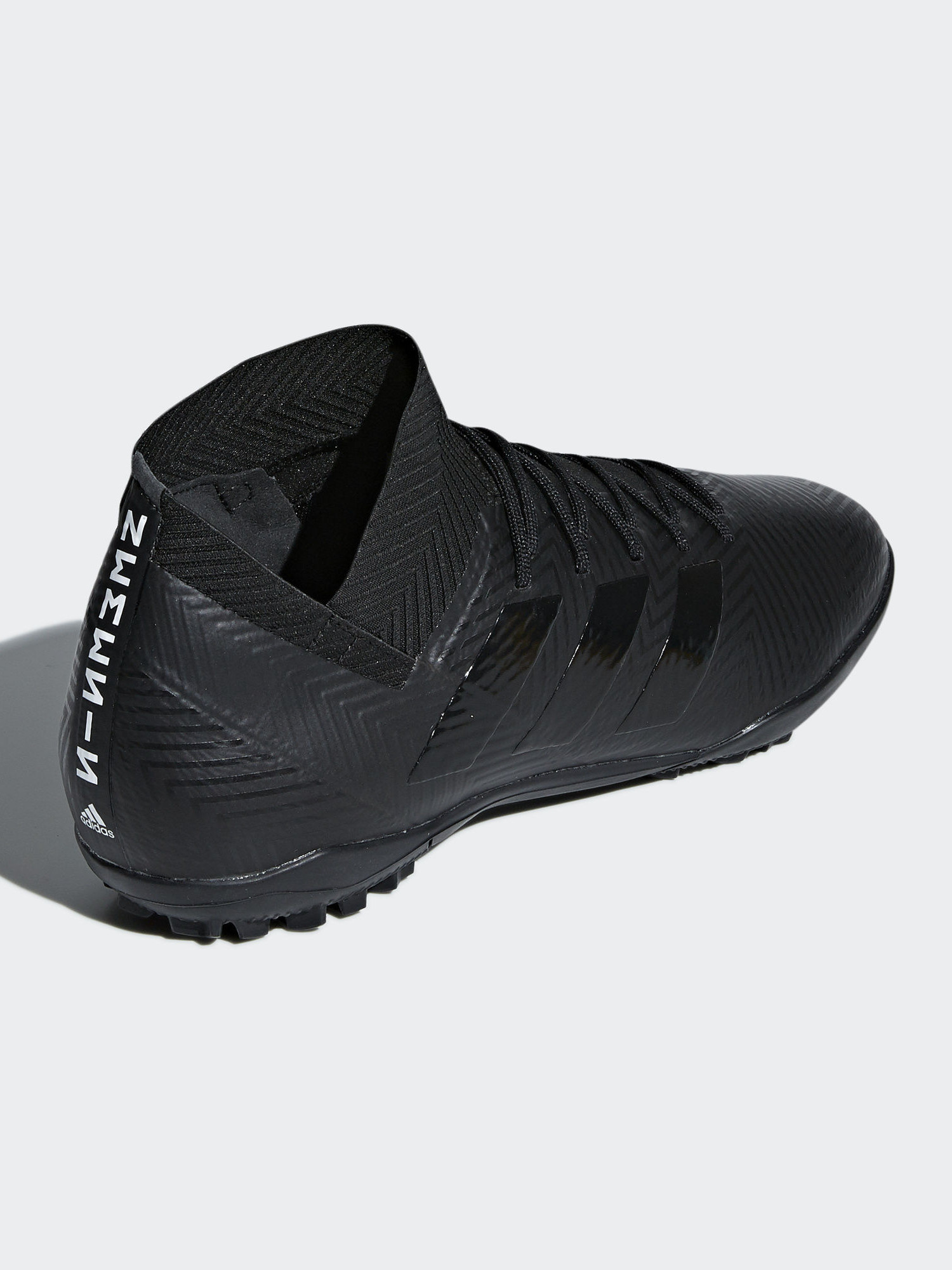 adidas trainer total black